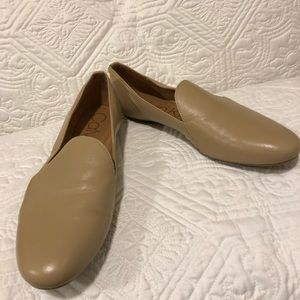 Calvin Klein leather flats NWOT